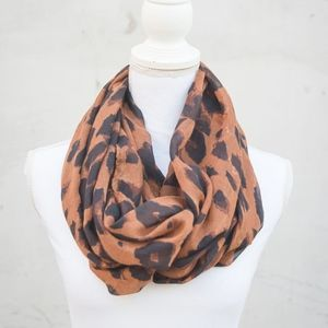 Nordstrom | BP Tan & Brown Cheetah Print Scarf
